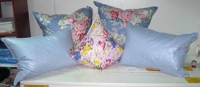 Как почистит в домашних условиях пуховые подушки